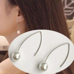 Jewelry - Silver Wire Hook Pierced Pearl Earrings